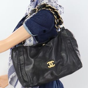 💎✨Authentic✨💎 CHANEL Leather Chain Tote Bag